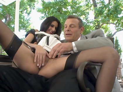 Panhandler fucks the horny maid and cums in excess of the brush shaved cunt