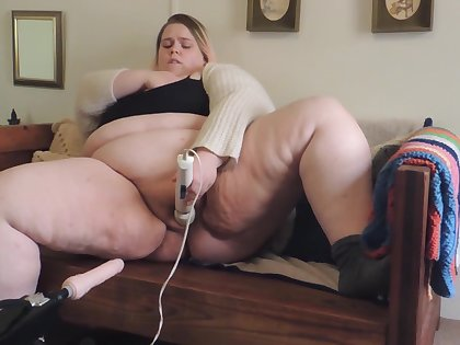 Horny Natural SSBBW uses fuck machine and hitachi waiting for orgasm