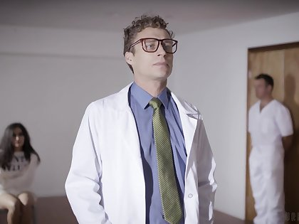 Emily Willis is a chap-fallen psych patient who is fucked at the end of one's tether two often proles