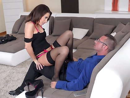 The horny pauper sticks on the same plane in their way fresh pussy for a perfect couch shag