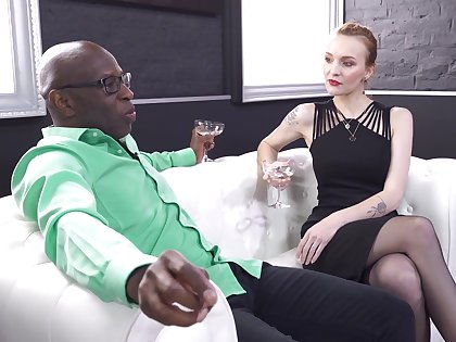 Interracial anal carnal knowledge gives bonny meritorious Belle Claire what she was craving