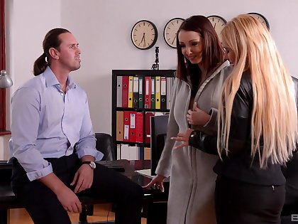 Office triad pleases Kyra Hot and Lucie Wilde immensely