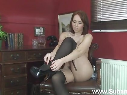 Homemade solely video of dim Ellie Rose playing nearby her pussy
